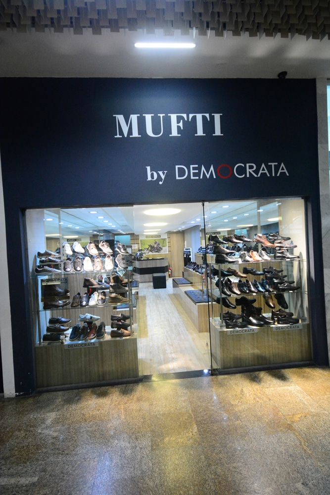 DEMOCRATA BY MUFTI