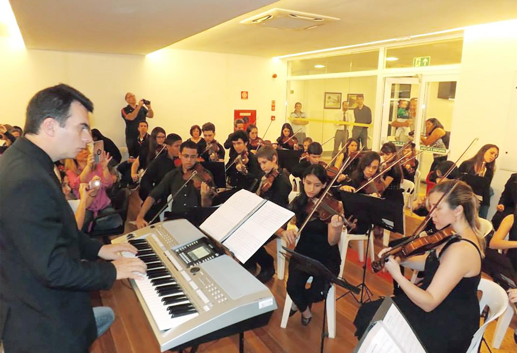 Orquestra Jovem da Pompéia se apresenta no Shopping Parque Balneário