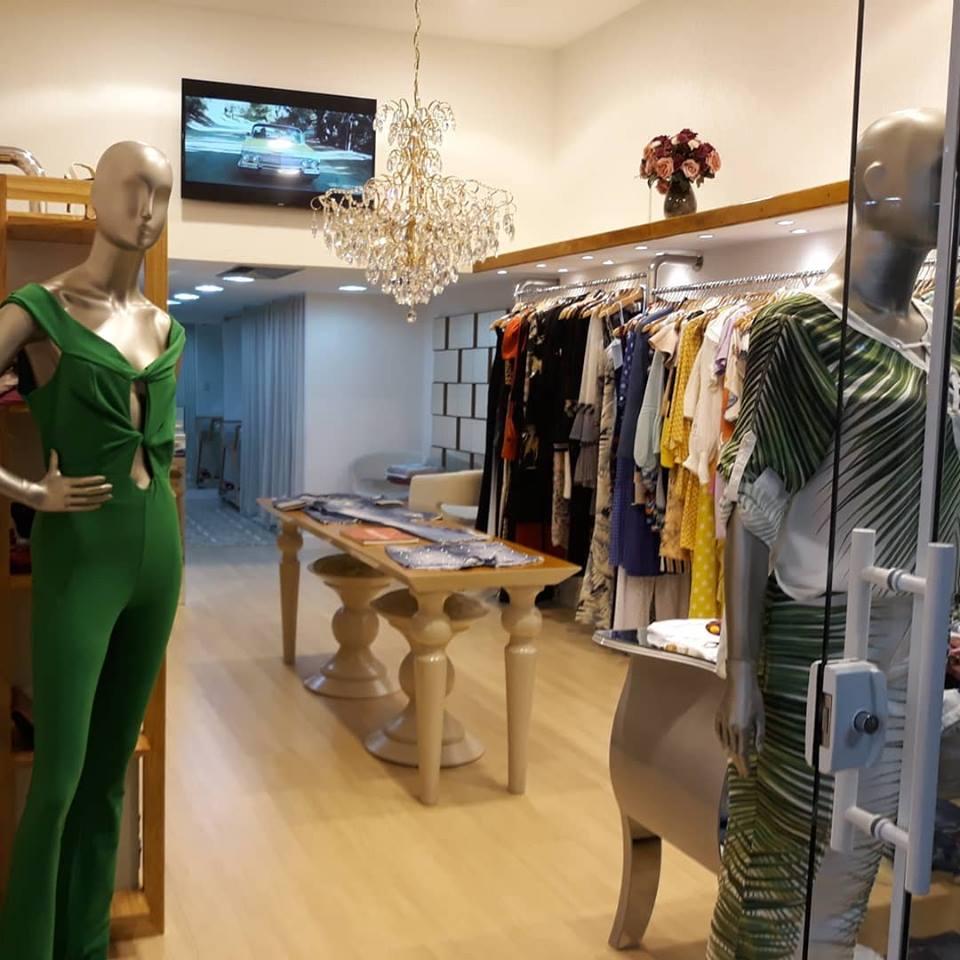 773e477204db Valenttine Boutique – Shopping Balneário