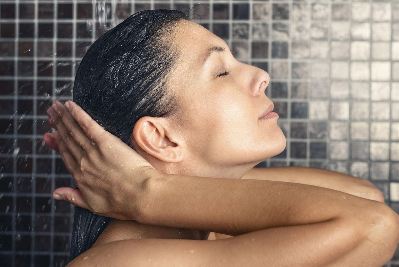 Entenda Como Funciona A Lavagem Reversa, Novo Método De Higiene Capilar