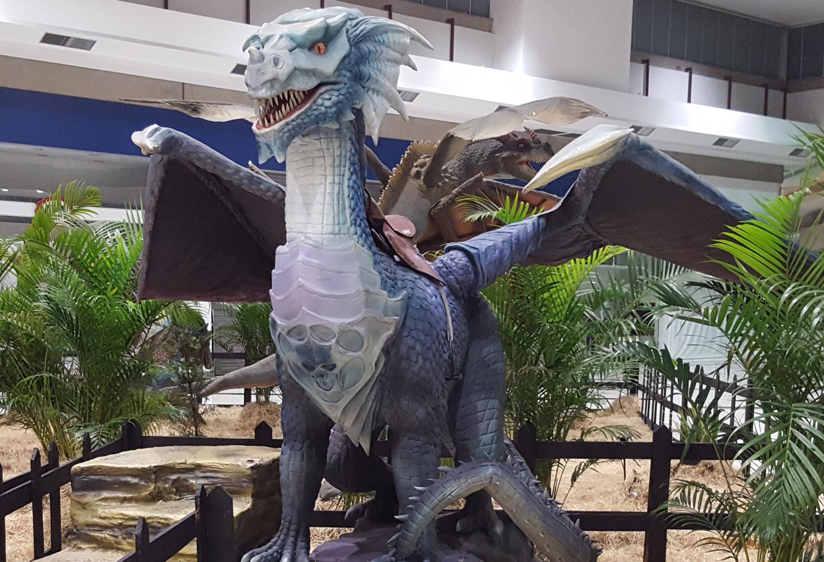 Dragões gigantes com som e movimento chegam ao Shopping Parque Balneário