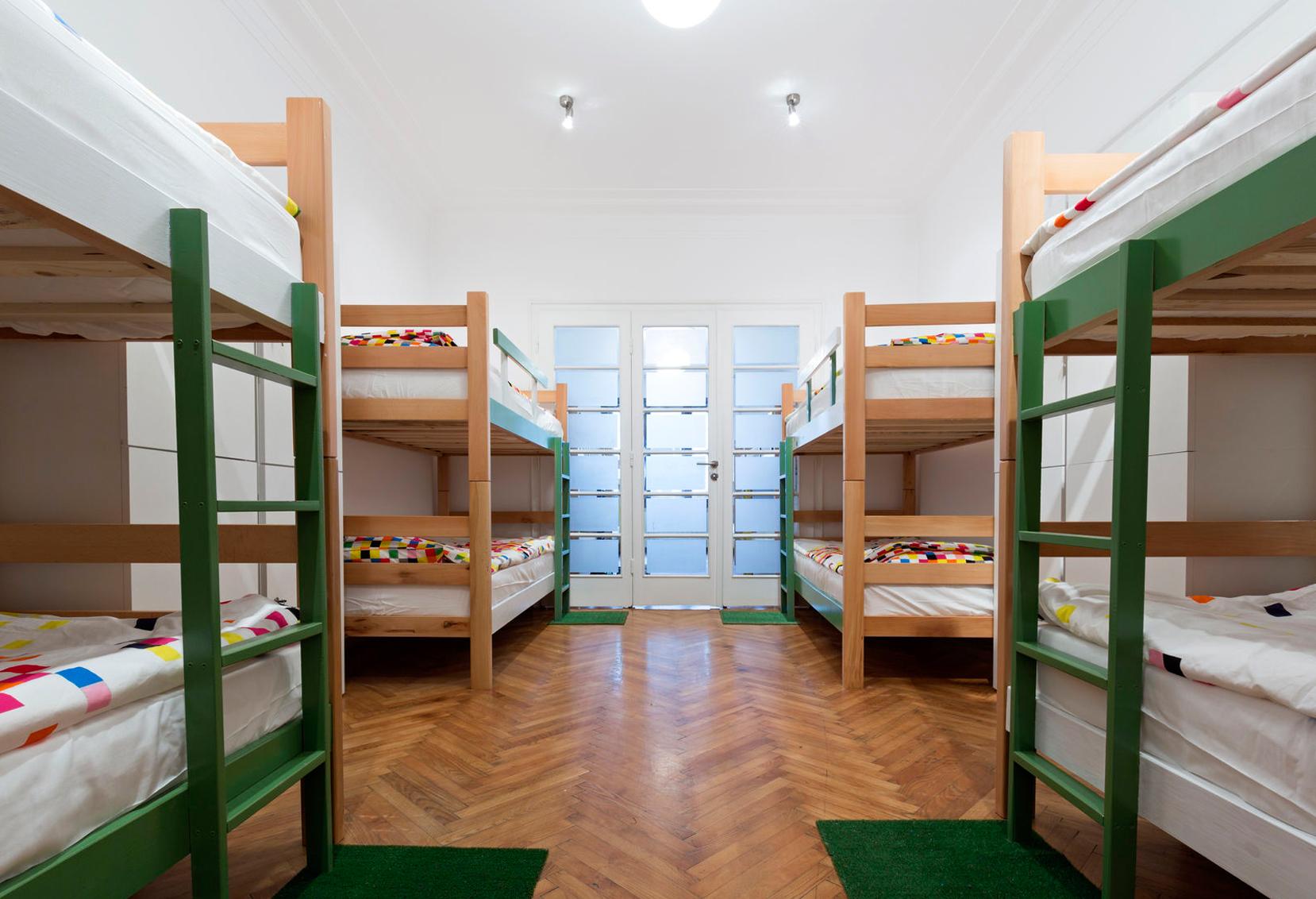 Hostels : Opção Barata De Hospedagem