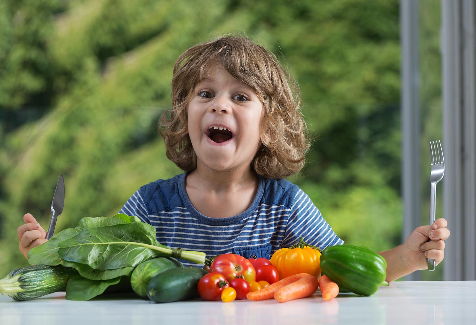 Saiba Como Ensinar Seu Filho A Comer De Forma Saudável