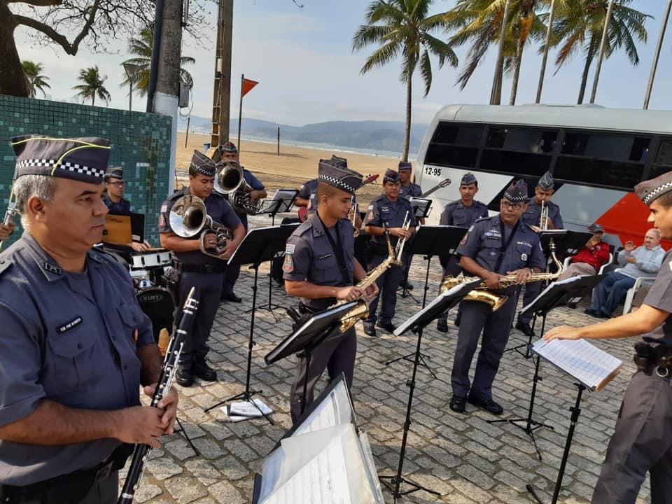 Banda Regimental De Música Da Polícia Militar Se Apresenta No Shopping Parque Balneário