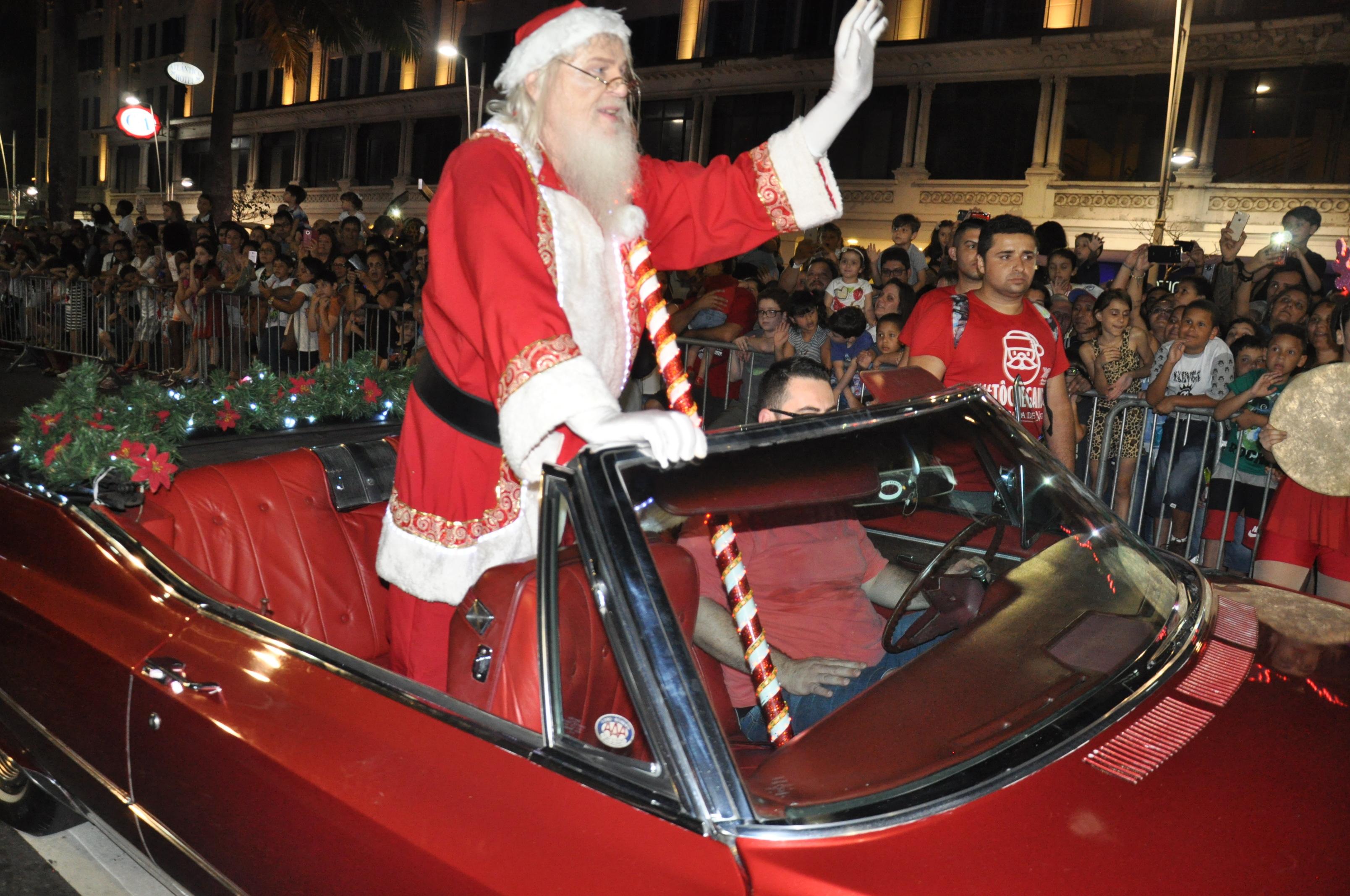 8ª Parada De Natal Terá Personagens, Shows E A Chegada Do Papai Noel