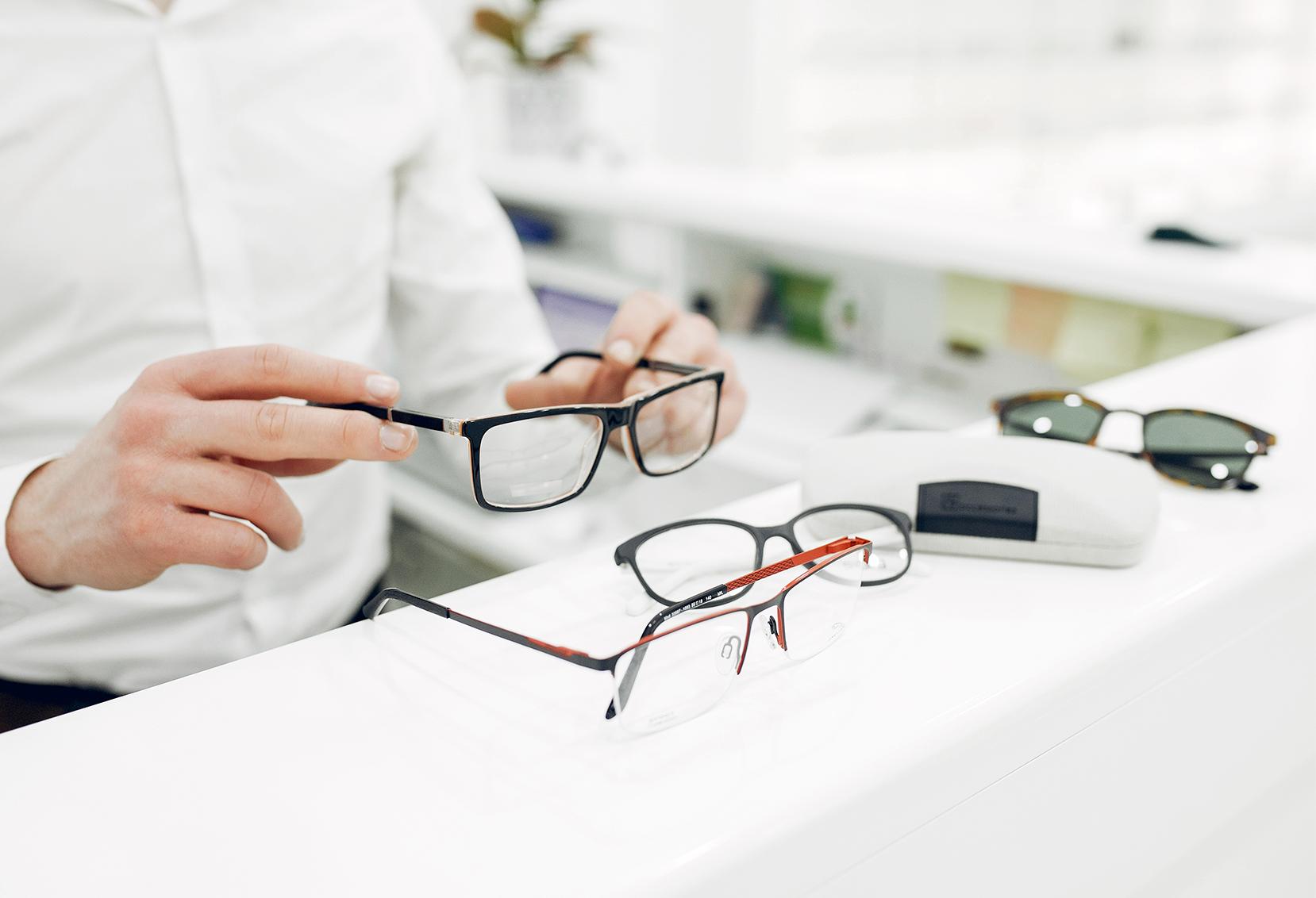 Óculos De Grau : Dicas Para Escolher O Modelo Ideal